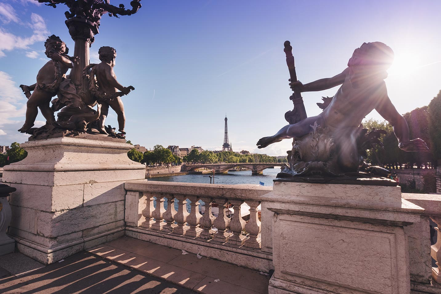 Survival French Travel Phrase Guide with Pronunciation