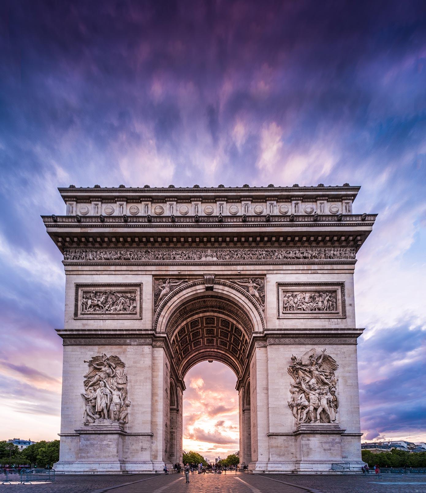 paris top attractions arc de triomphe sunset