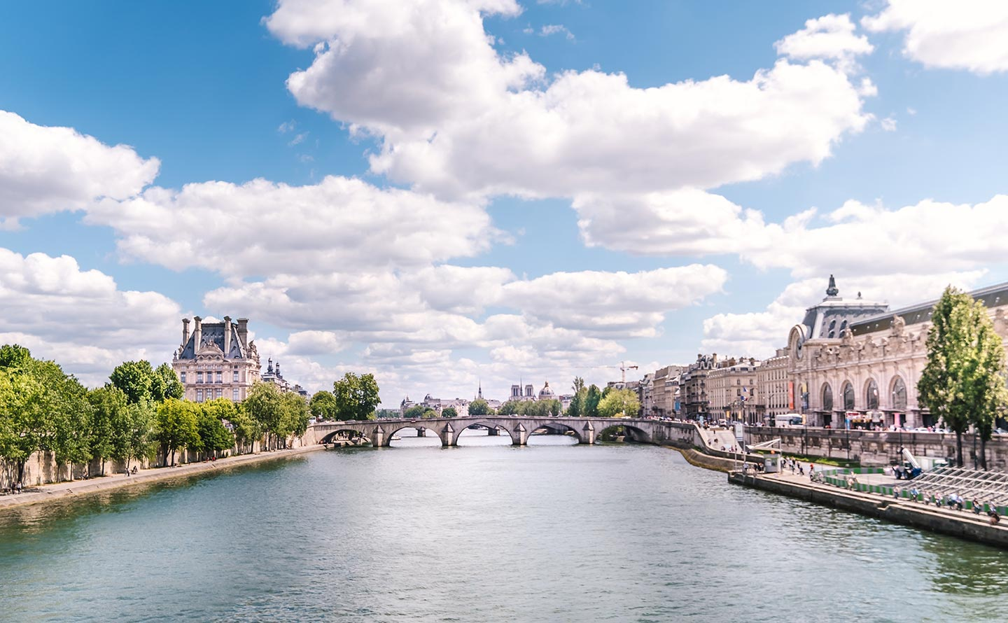 paris top attractions cruise down the seine river