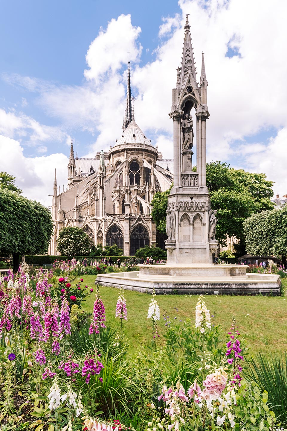 paris top attractions garden notre dame